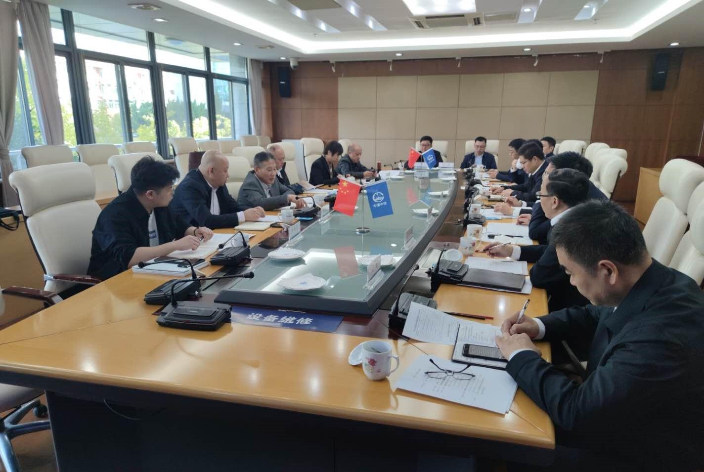 双方参会人员在局会议室进行交流.jpg